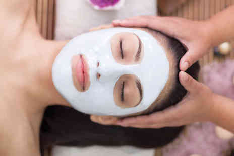 into the blue - 20 Minute Beauty Treatment at 200 UK Venues - Save 0%
