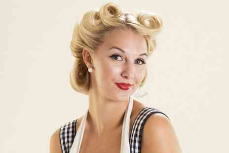 Pinups Vintage - Pinup Hair and Make Up Masterclass - Save 40%