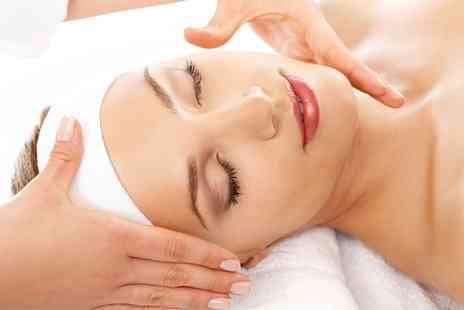 Exquisite Look - Back, Neck and Shoulder Massage with Express Facial - Save 53%