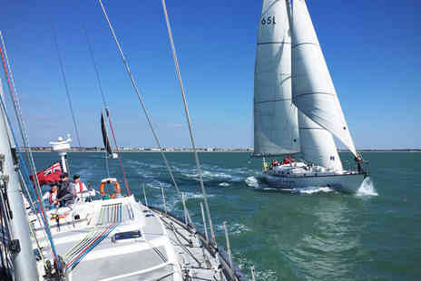 Blue Box Sailing - Solent sailing experience including lunch - Save 39%