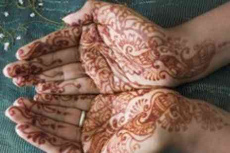 Henna H - 3 Hour Henna tattoo workshop including henna cone & guide book - Save 56%