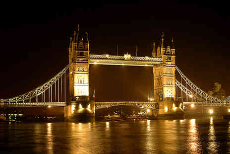 Golden Tours - London by Night bus tour - Save 47%
