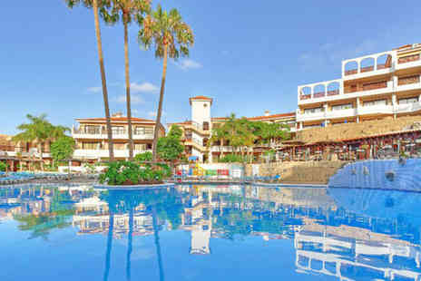 Petchey Leisure - £129 for 7 nights self-catering for a family of 4 at Royal Park Albatros in Tenerife - Save 86%