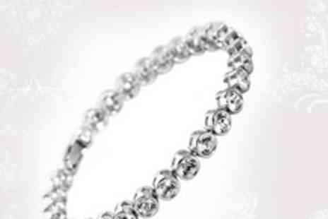 Gifts4u - Beautiful Swarovski elements bracelet - Save 77%