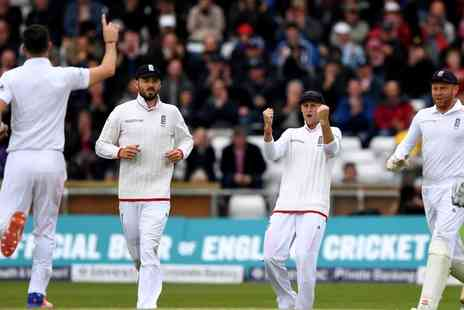Emirates Old Trafford - England v Pakistan Investec Test Match From 24 To 25 July - Save 0%