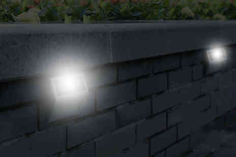 EF Mall - Two outdoor solar powered wall lights - Save 0%