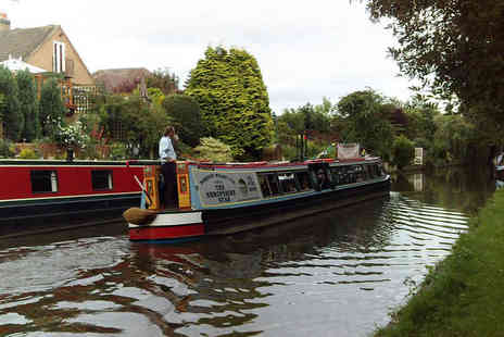 Norbury Wharf - One day narrow boat hire for up to ten - Save 44%