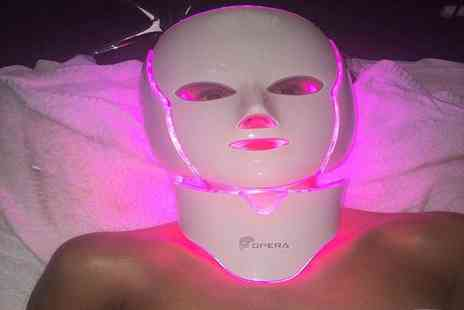 Celebeauty - LED Facemask - Save 67%