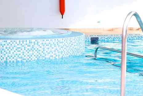 Club Moativation Shepperton - Choice of Health Club Passes with Optional Classes Access - Save 65%