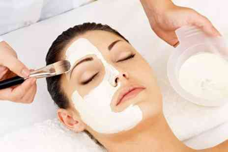 iiaa - Facial including Skin Analysis - Save 83%