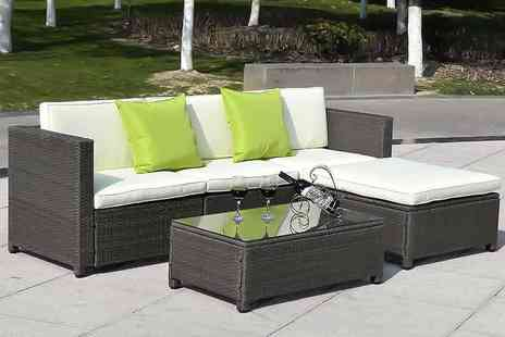 FDS Corporation - 5 piece Hawaiian rattan garden set choose from black or brown - Save 67%