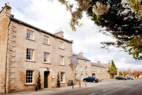 The Castle Inn - Lancashire Award Winning 2 Night Boutique Stay with Wine - Save 59%