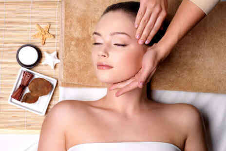 Deal Champion Goods - 30 Minute Massage with Facial - Save 53%