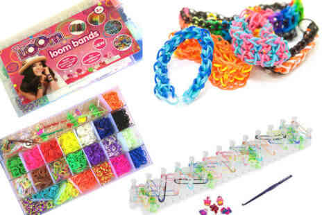 Deal Champion Goods - Fun Rainbow Loom Bracelet Making Kit with 4200 Colourful Bands - Save 88%