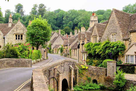 Anderson Tours - Childs or Adult ticket to the Cotswolds tour including return coach travel - Save 33%