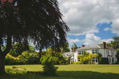 Laughern Hill Estate - One or Two Nights Stay for 2 with Breakfast, Sharing Platter, Wine and Late Check Out - Save 48%