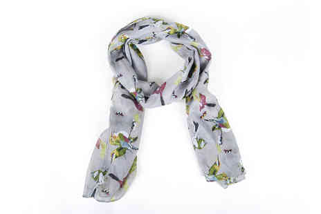 Heads Group - A bird print scarf - Save 82%