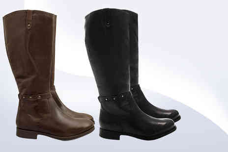 SEASON FOOTWEAR - Pair of genuine leather riding boots choose from two colours - Save 76%