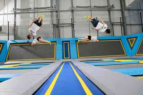 Oxygen Freejumping - One hour trampoline freejumping experience - Save 45%