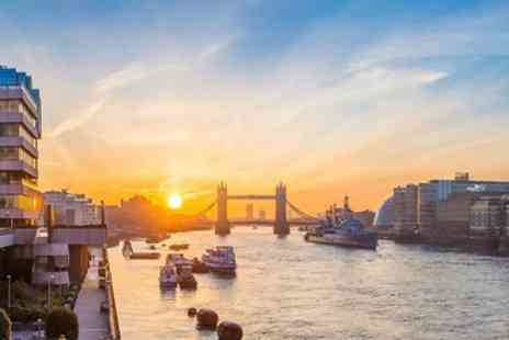 City Cruises PLC - Thames Dinner Cruise for 2 inclusive Drinks & Live Music - Save 51%