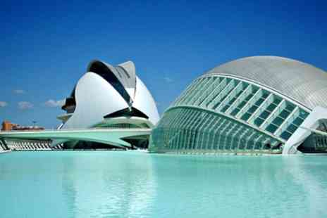 Alameda Plaza - Valencia Stay For 1 to 7 Nights - Save 61%