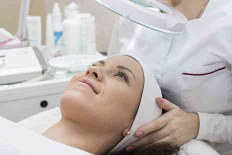The Acculaser Medispa - Acne peel system treatment - Save 65%