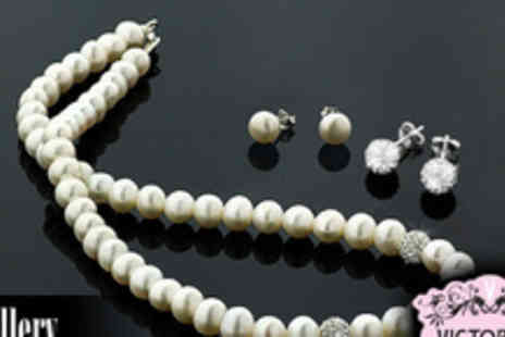 Jewellery Hall - Classic Freshwater pearl and Czech crystal necklace boxed set including two pairs - Save 77%