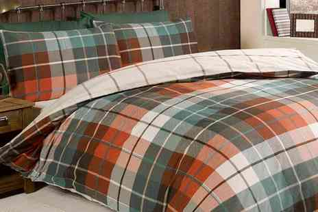 Groupon Goods Global GmbH - Reversible Check Duvet Set in Choice of Colour and Size - Save 0%