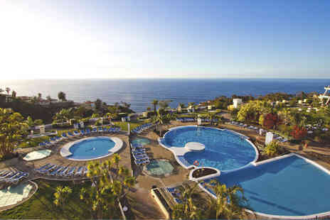 La Quinta Park Suites - Four Star 7 nights Stay in a Junior Sea View Suite - Save 70%