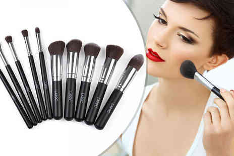 Jazooli - 10 Piece LARoC Kabuki Make Up Brush Set - Save 65%