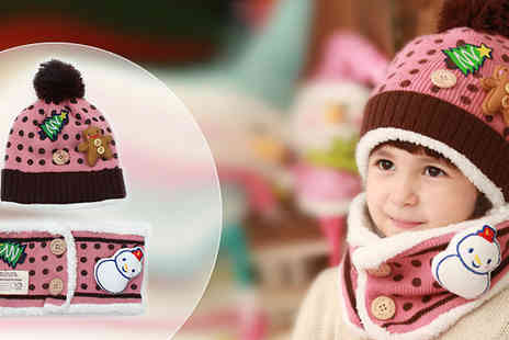 Last Chance Supplies - Childrens Beanie and Scarf Set - Save 55%