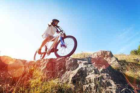 Wakelake - Mountain biking lesson for one adult - Save 54%