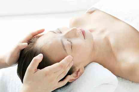 Le Crisadore - 30 Minute Hot Stone or Indian Head Massage - Save 40%