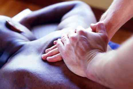 1st Contact Physio - 45 Minute Sports Massage - Save 51%