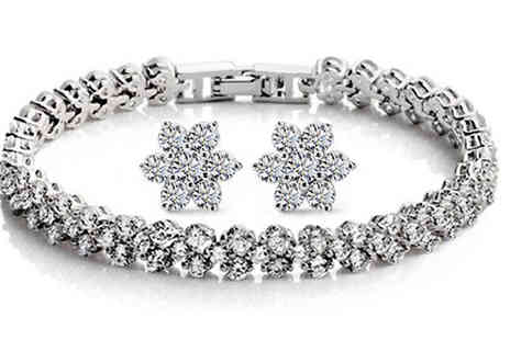 India Rose Designs - Crystal Snowflake Duo Set - Save 87%