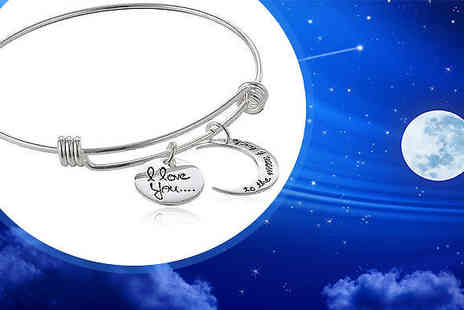 India Rose Designs - Moon And Back Charm Bracelet - Save 72%