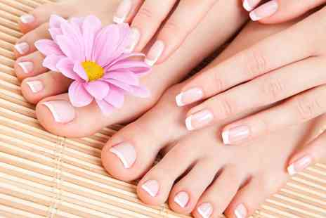 Hair de la Reine - Shellac Mirror Manicure or Pedicure - Save 0%