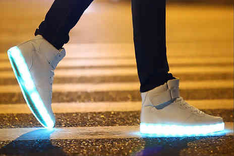 Kequ World - Pair of light up LED trainers - Save 83%