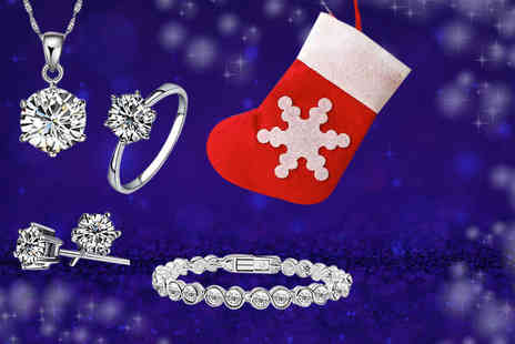 Solo Act - 5pc crystal Christmas stocking jewellery set including ring, solitaire necklace, stud earrings and bracelet - Save 75%