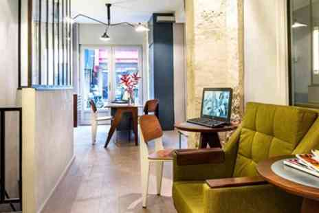 Hotel Basss - Paris Hotel near Montmartre with Breakfast - Save 0%