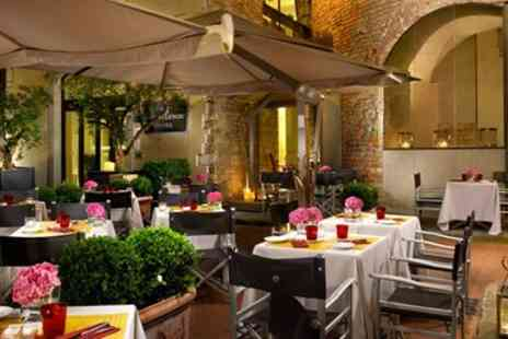 Hotel Brunelleschi - Historic Florence Stay with Breakfast & Bubbly - Save 0%