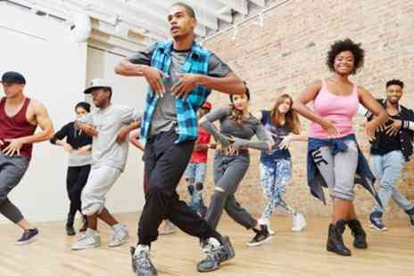 DM Sudios - Four or Six Dance Classes of Choice - Save 50%