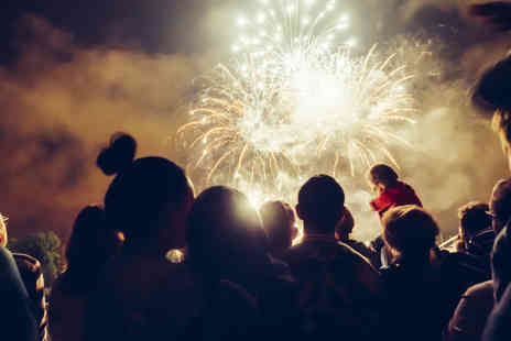 Lower Drayton Farm - Childs ticket to a fireworks extravaganza at Drayton Farm on 29th October - Save 50%