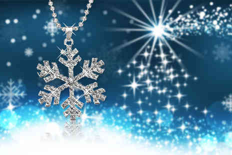 Solo Act - Crystal snowflake necklace embrace the winter season - Save 77%