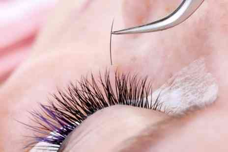 Sun Boutique - Full Set of Eyelash Extensions - Save 36%