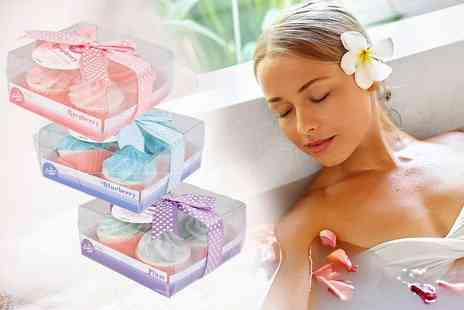 London Exchainstore - Set of 12 cupcake bath bombs in three scents - Save 68%