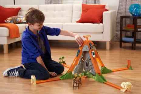 Groupon Goods Global GmbH - Hot Wheels Track Builder Volcano Blast Set With Free Delivery - Save 19%