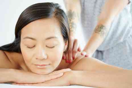 Le Crisadore - Choice of 30 or 60 Minute Massage - Save 52%