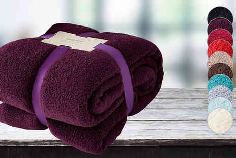 Gorgeous Selection - Snuggly Soft Throw in 2 Sizes, 10 Colours - Save 57%