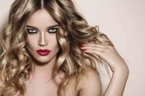 Gary Henri - Restyle or Cut with a Conditioning Treatment and Blow Dry - Save 50%